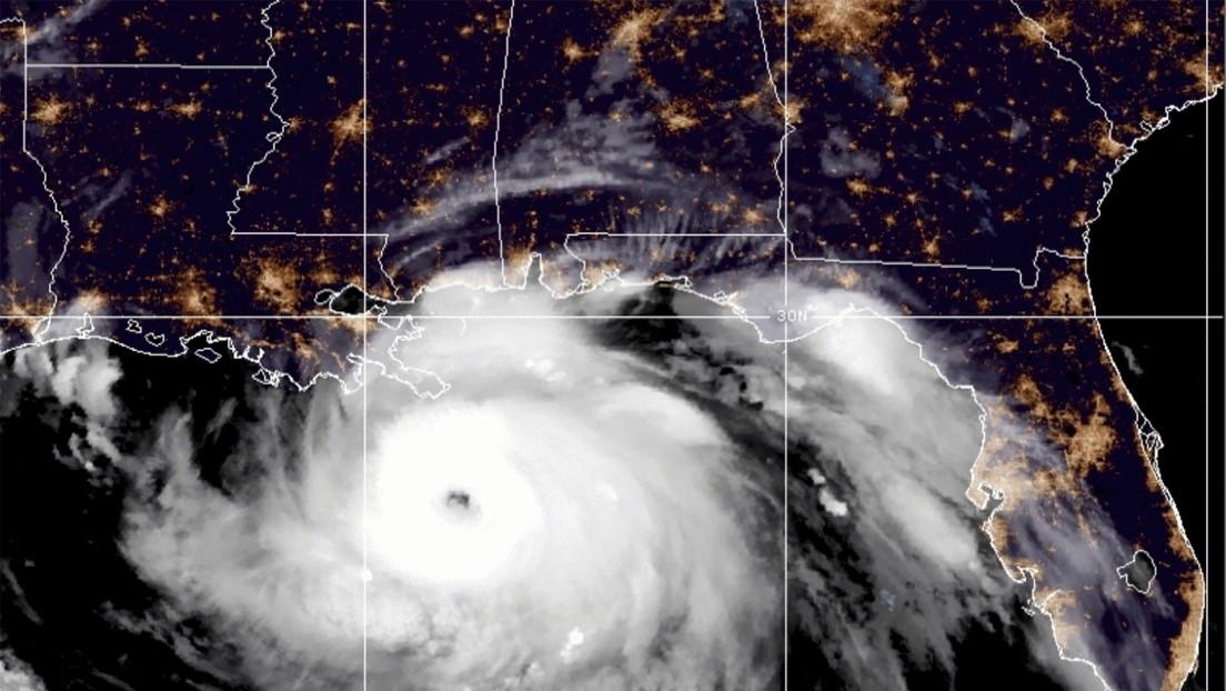 VIDEO: Captan desde el espacio 4 mesovortices y múltiples rayos en el ojo del huracán Ida