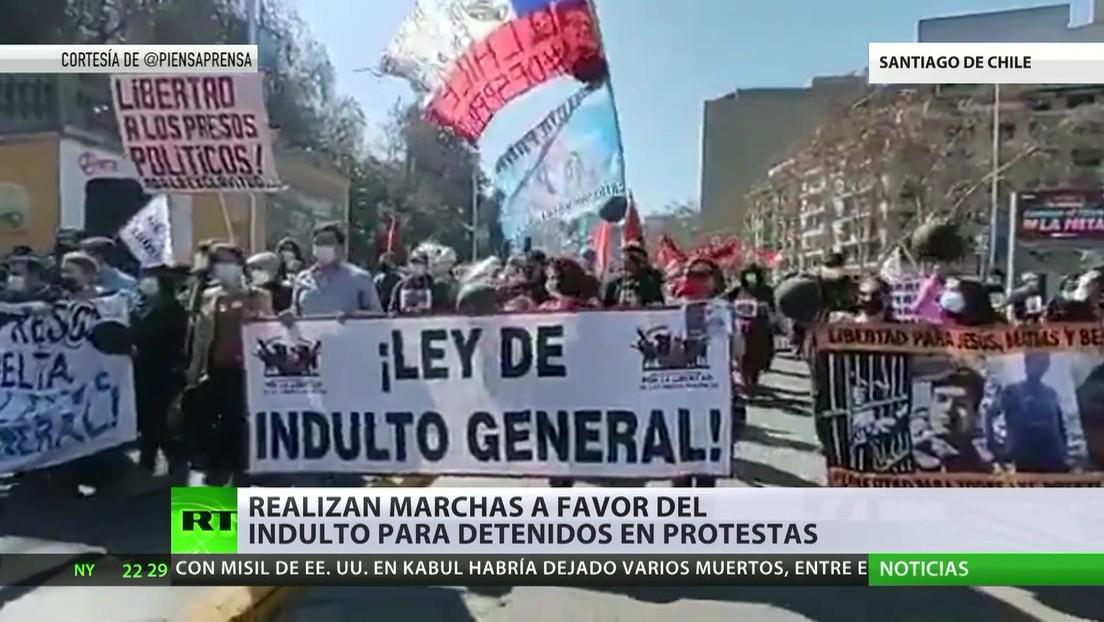 Realizan marchas a favor del indulto para los detenidos en las protestas del 2019 en Chile