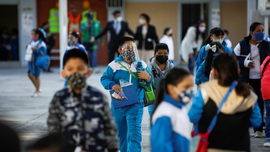 México regresa a las clases en medio de la polémica por una nueva ola de contagios