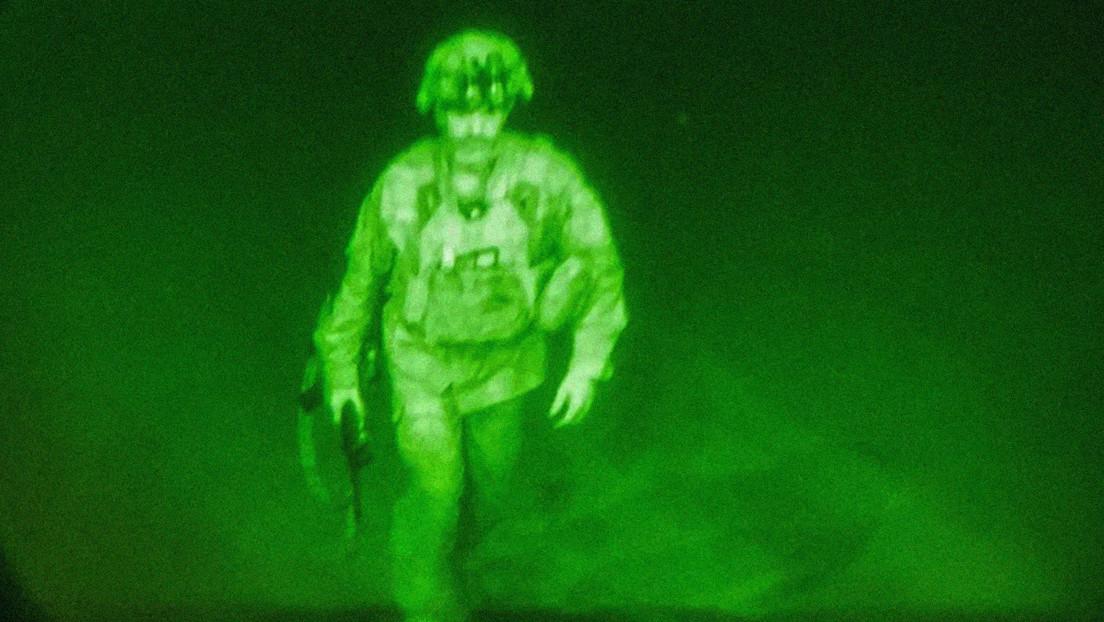 FOTO: Este es el último soldado estadounidense en abandonar Afganistán