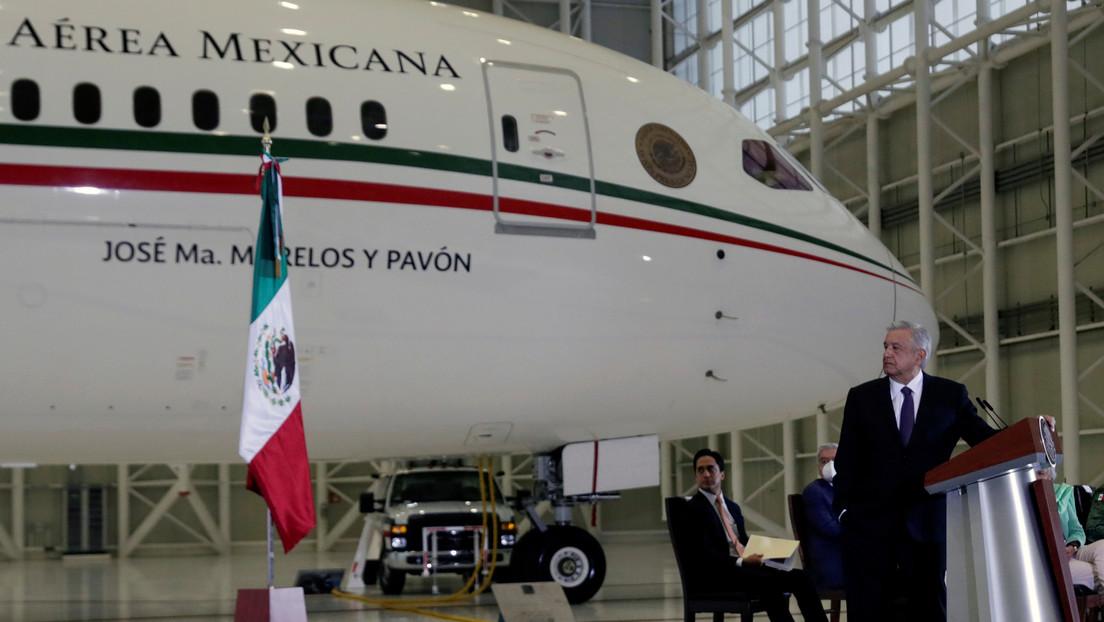 La broma de Kamala Harris sobre los posibles compradores del avión presidencial de México que López Obrador revela en su libro