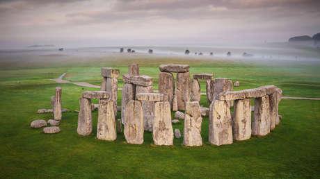 Hallan en un fragmento perdido de Stonehenge trozos de roca de hace 1.600 millones de años