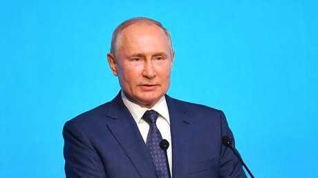 """Putin afirma que la decisión de despojar a Rusia de la bandera y el himno en los JJ.OO. de Tokio """"tiene una connotación política"""""""