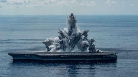 VIDEO: EE.UU. produce un evento sísmico de magnitud 3,9 al detonar 20 toneladas de TNT cerca del portaaviones más caro del mundo