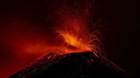 El Etna, el mayor volcán activo de Europa, sigue creciendo tras seis meses de actividad y ahora es más alto que nunca
