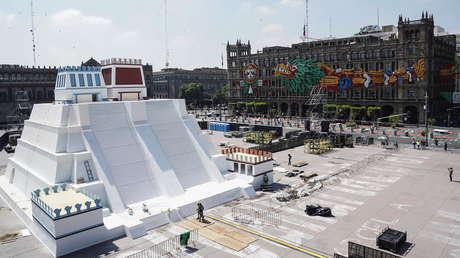 Recrean en Ciudad de México el Templo Mayor azteca con motivo de los 500 años de resistencia indígena