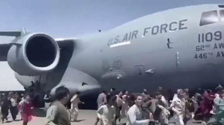 Confirman el hallazgo de restos humanos en el tren de aterrizaje de un avión militar estadounidense que despegó de Afganistán