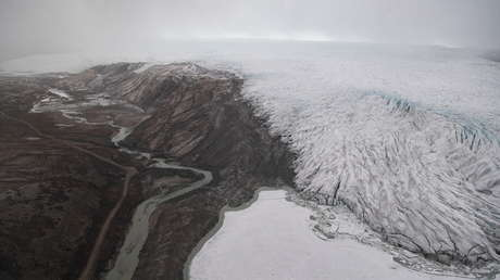 Llueve por primera vez en la cima de la capa de hielo de Groenlandia desde que se tiene registros