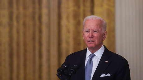 """Una congresista republicana promueve la destitución de Joe Biden por hacer que el mundo """"pierda el respeto"""" a EE.UU."""