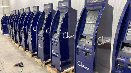 El Salvador comienza a instalar 200 cajeros automáticos de bitcóin que permitirán la retirada de dólares en efectivo