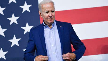 """""""Biden pagará un precio político"""": analistas discuten las consecuencias de la retirada de Afganistán tras la muerte de al menos 13 soldados de EE.UU."""