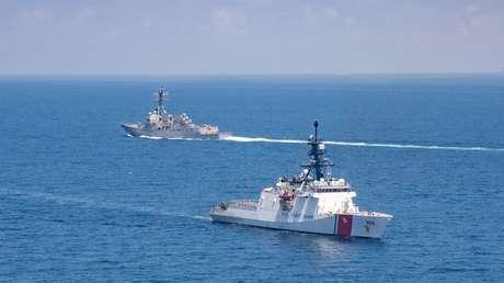 Un buque de guerra de EE.UU. pasa por el estrecho de Taiwán, en medio de tensiones con China y después de unas maniobras de asalto de Pekín en la zona