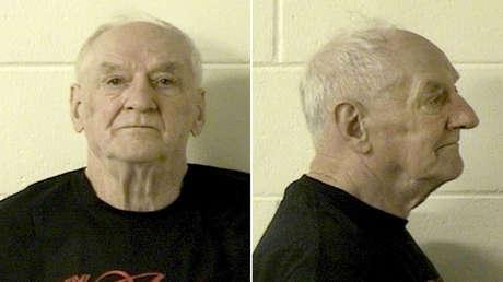 Un sobre lamido lleva a la condena de un hombre de 84 años a dos cadenas perpetuas por dos asesinatos hace 45 años