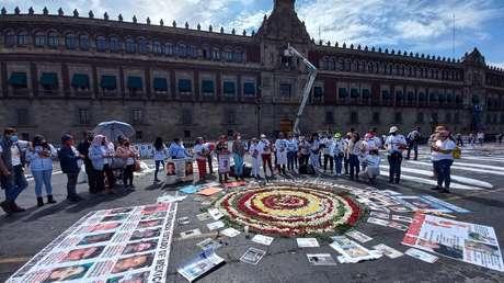 """""""Ausentes, pero jamás olvidados"""": La voz de los familiares que protestan en México por los más de 90.000 desaparecidos"""