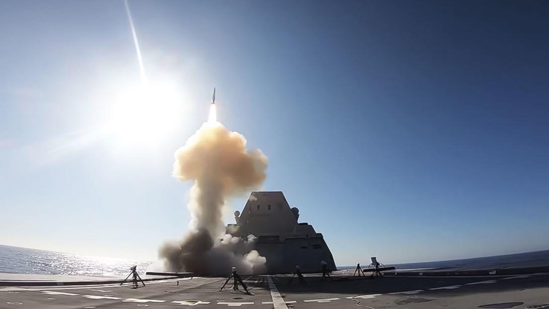 Zarpa el tercer y último destructor Zumwalt de la Armada de EE.UU., un 'coloso' venido a menos por su alto costo y sus tropiezos