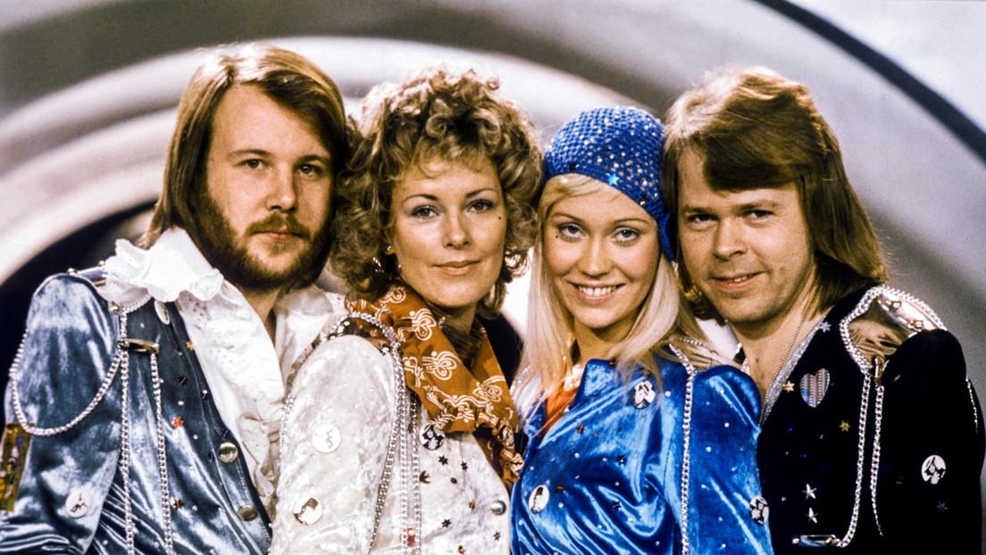 El legendario grupo ABBA vuelve al escenario después de una pausa de 39 años