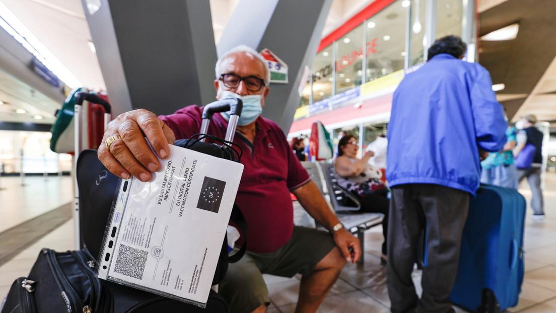 Italia planea introducir la vacunación obligatoria y la tercera dosis de refuerzo