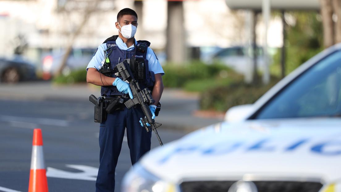 Atentado en Nueva Zelanda: Un agresor afín al Estado Islámico apuñala a varias personas en un supermercado (VIDEO)