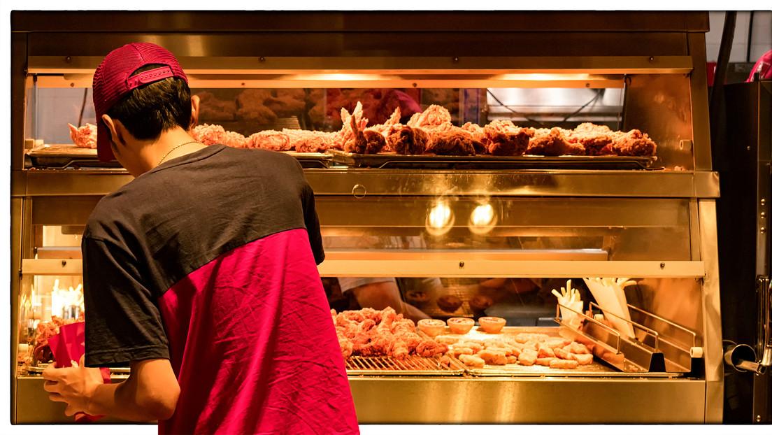 """""""¿Hasta qué punto la obesidad es una responsabilidad individual?"""": Así es como estas ciudades neerlandesas pretenden prohibir la comida chatarra"""