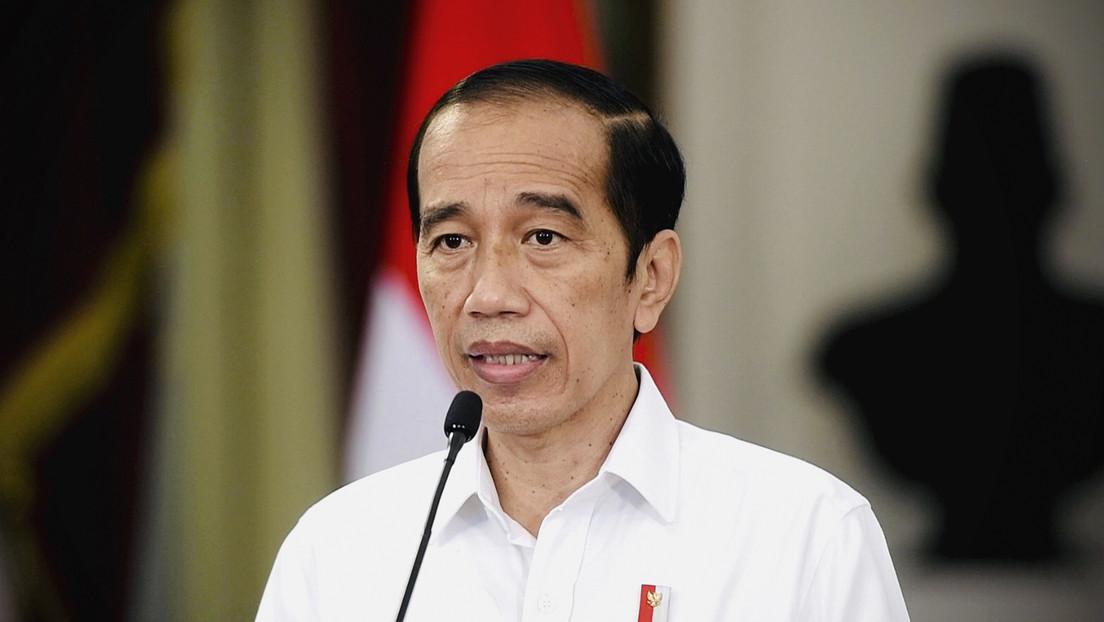 Filtran el 'pasaporte covid' del presidente de Indonesia desde una aplicación gubernamental para prevenir el coronavirus