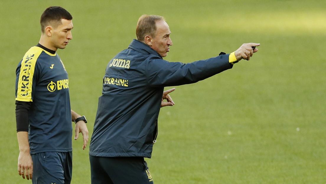 """""""Ellos comen ranas, nosotros, no"""": El entrenador de fútbol de Ucrania comparte cómo apoya a su equipo antes del partido contra Francia"""