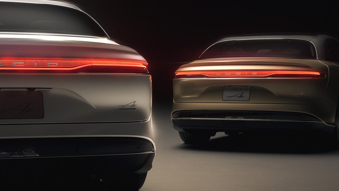 """Lucid Motos amenaza a Tesla con dos nuevas versiones de su """"sedán eléctrico de lujo"""" con potencia de hasta 1.111 caballos de fuerza"""