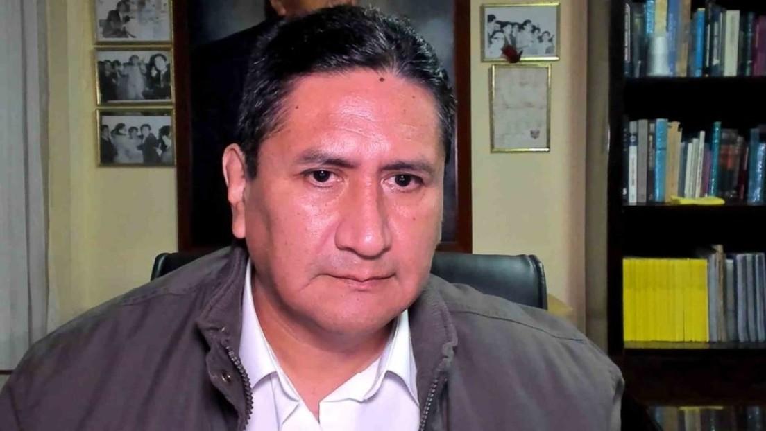 """El político peruano Vladimir Cerrón rechaza las """"especulaciones"""" sobre su supuesta solicitud de asilo político en el extranjero"""