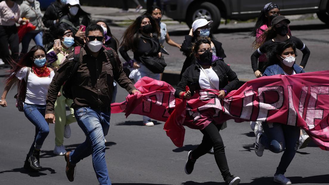 Las dos razones por las que se han desatado las protestas del sector universitario en Ecuador
