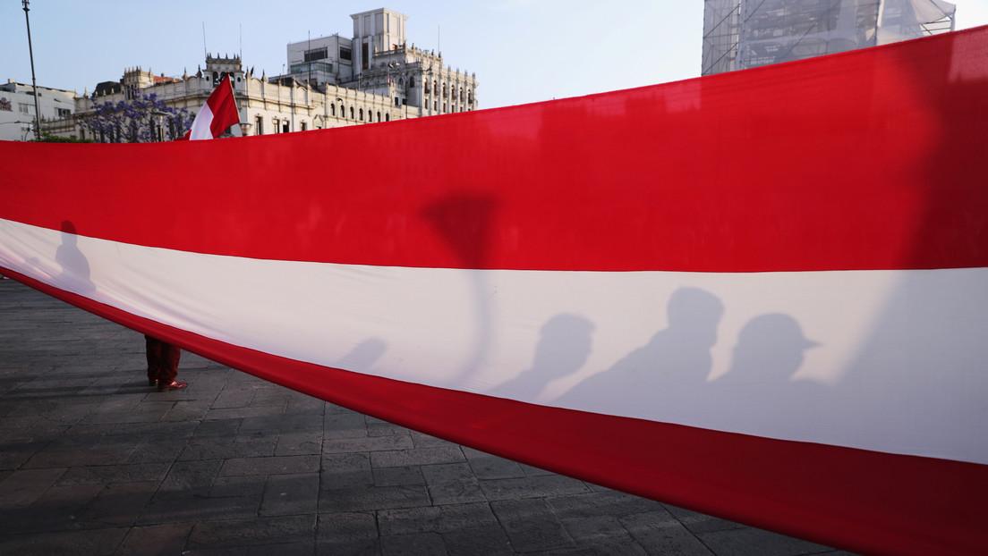 Perú Libre presenta un proyecto de ley para crear una Asamblea Constituyente y cambiar la Carta Magna