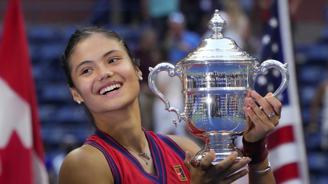 La británica Emma Raducanu rompe varios récords y hace historia en el tenis al ganar la final del Abierto de Estados Unidos con tan solo 18 años