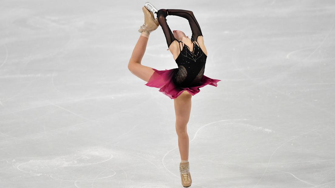VIDEO: La patinadora rusa Alexandra Trúsova se convierte en la primera mujer del mundo en realizar cinco saltos cuádruples durante un programa libre