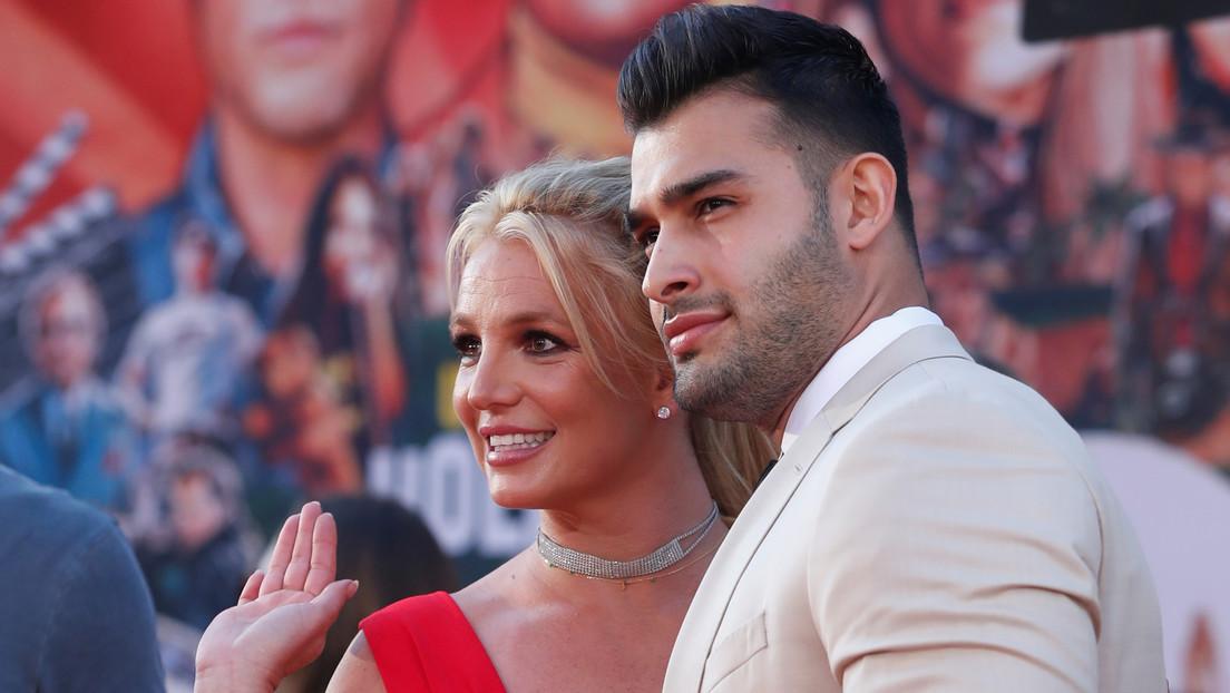 FOTO, VIDEO: Britney Spears y el modelo iraní Sam Asghari anuncian su compromiso