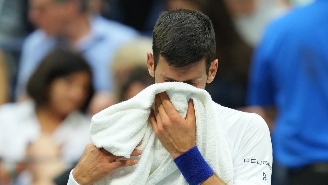 VIDEO: Djokovic sucumbió ante la presión y lloró en medio del partido con Daniil Medvédev