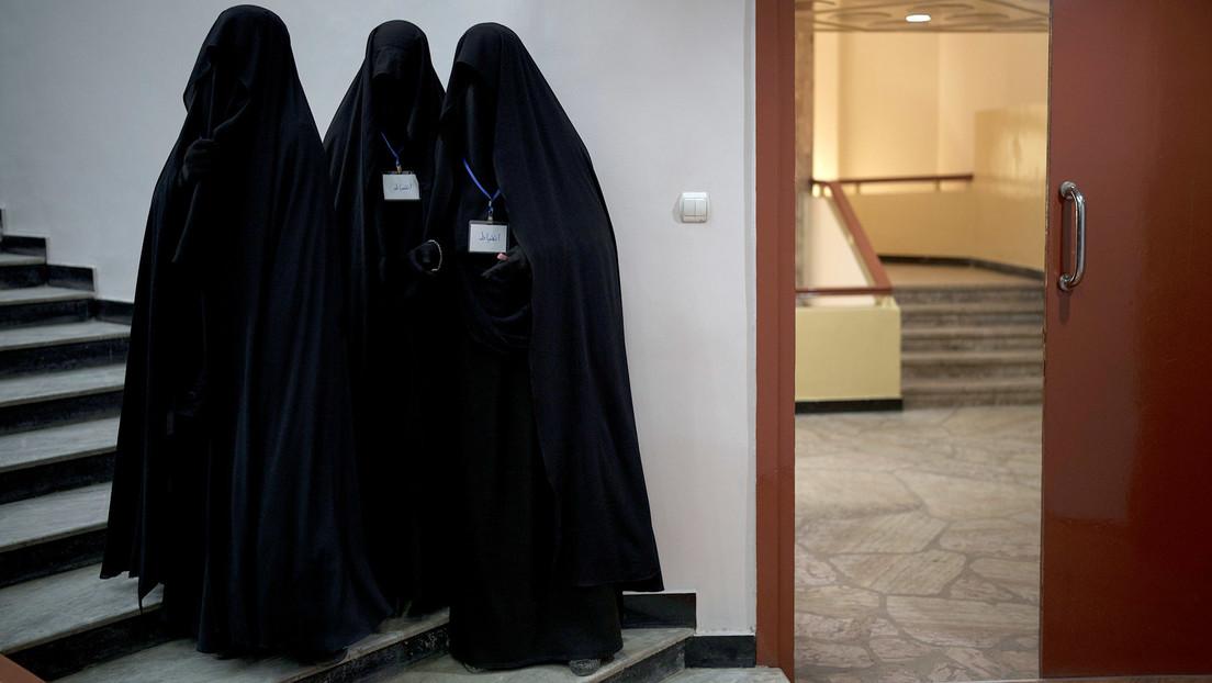 Los talibanes dan a conocer las nuevas reglas para las mujeres en las universidades