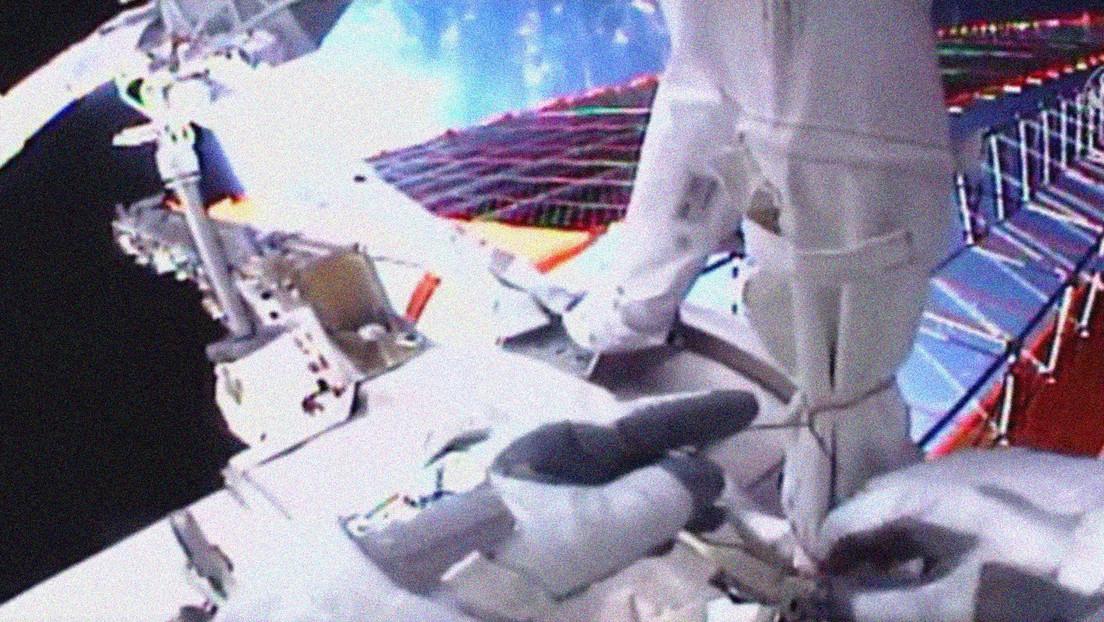 Dos astronautas de la EEI completan con éxito una caminata espacial (y queman más de 1.500 calorías cada uno)