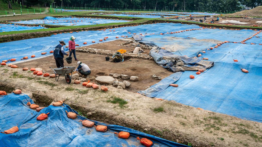Hallan evidencia de sacrificios humanos en la base del 'castillo de la luna' coreano del siglo IV