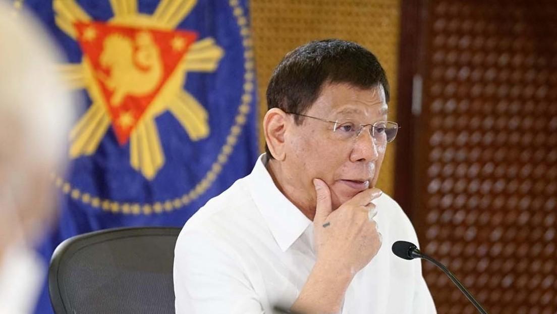 El presidente filipino Duterte ordena a sus ministros que le pidan permiso antes de comparecer en investigaciones del Senado