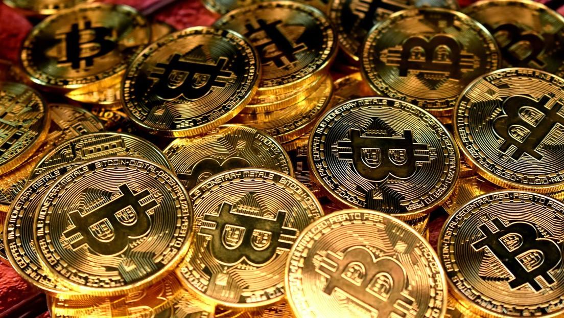 Mueven 2.000 millones de dólares en bitcoines con una comisión de 0,8 dólares