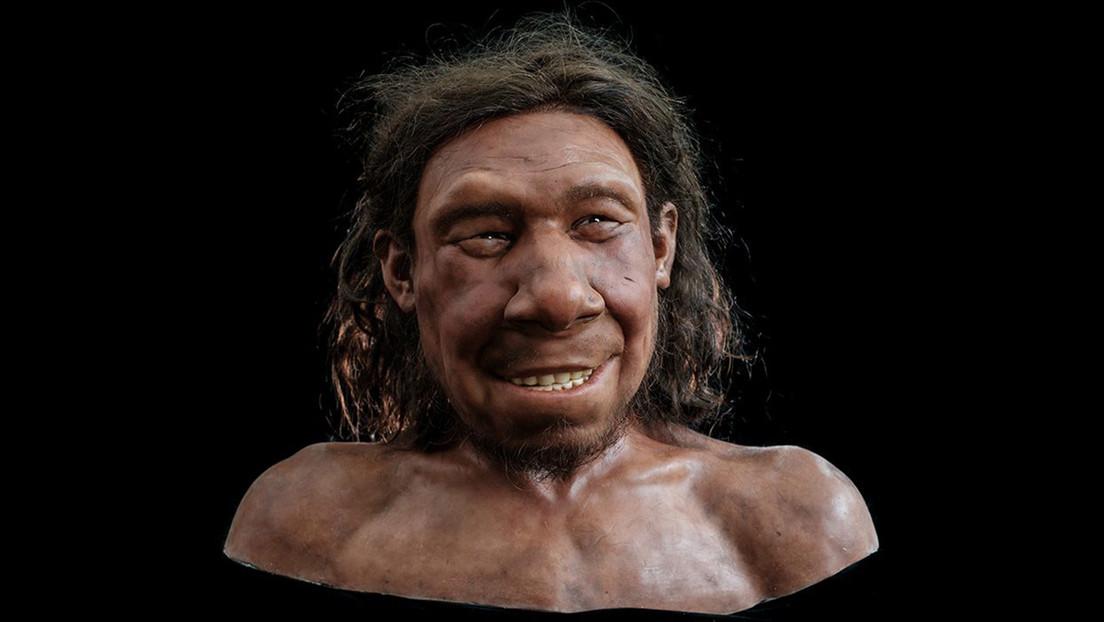Científicos reconstruyen el rostro sonriente de un neandertal de más de 50.000 años hallado en Países Bajos (FOTOS)