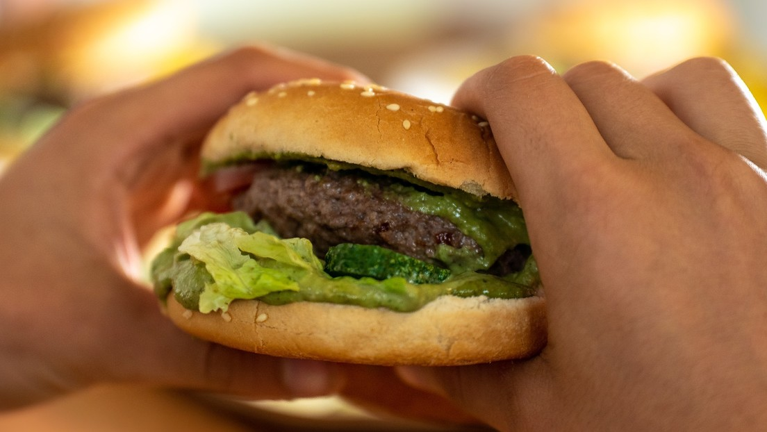 Un dedo humano aparecido dentro de una hamburguesa desata escándalo en Bolivia