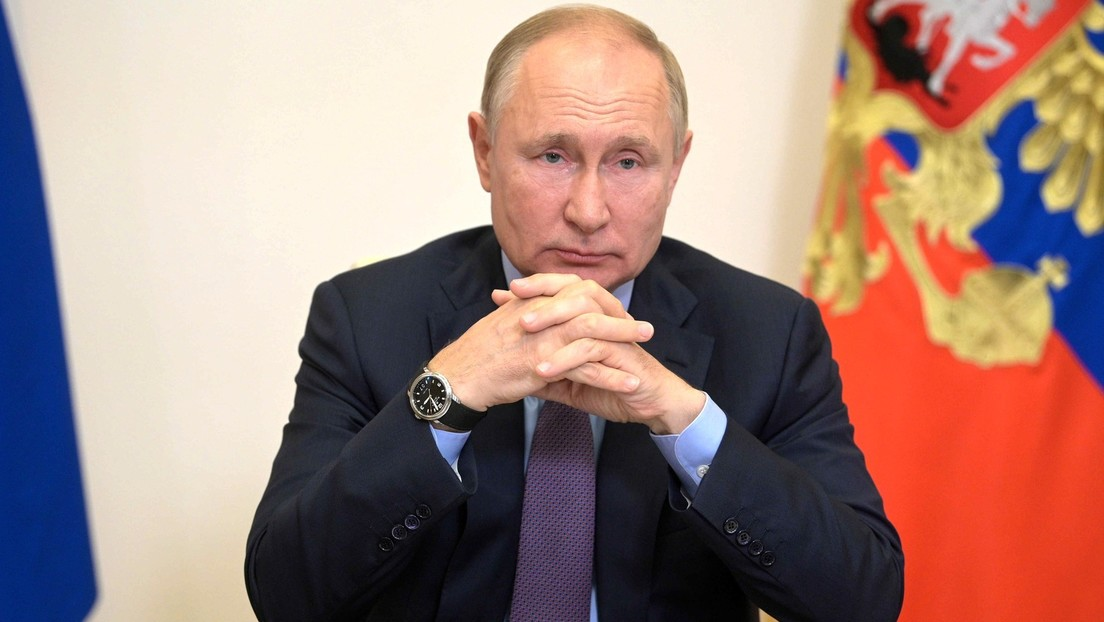 """Putin revela que """"varias decenas de personas"""" en su círculo cercano se han contagiado de covid-19"""