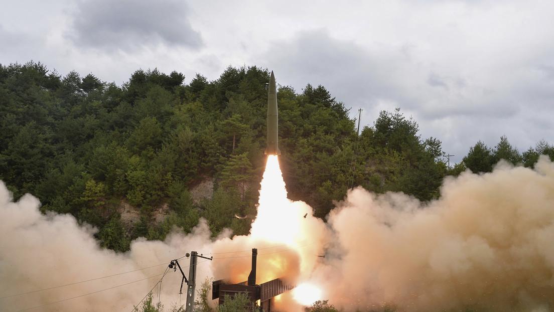 VIDEO: Pionyang exhibe el momento en que lanza un misil balístico desde un tren