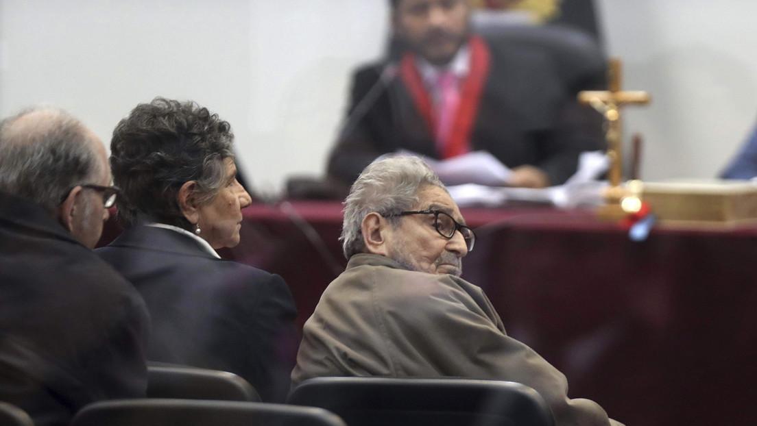 Pedro Castillo promulga la ley que permite cremar el cadáver del líder de Sendero Luminoso, Abimael Guzmán