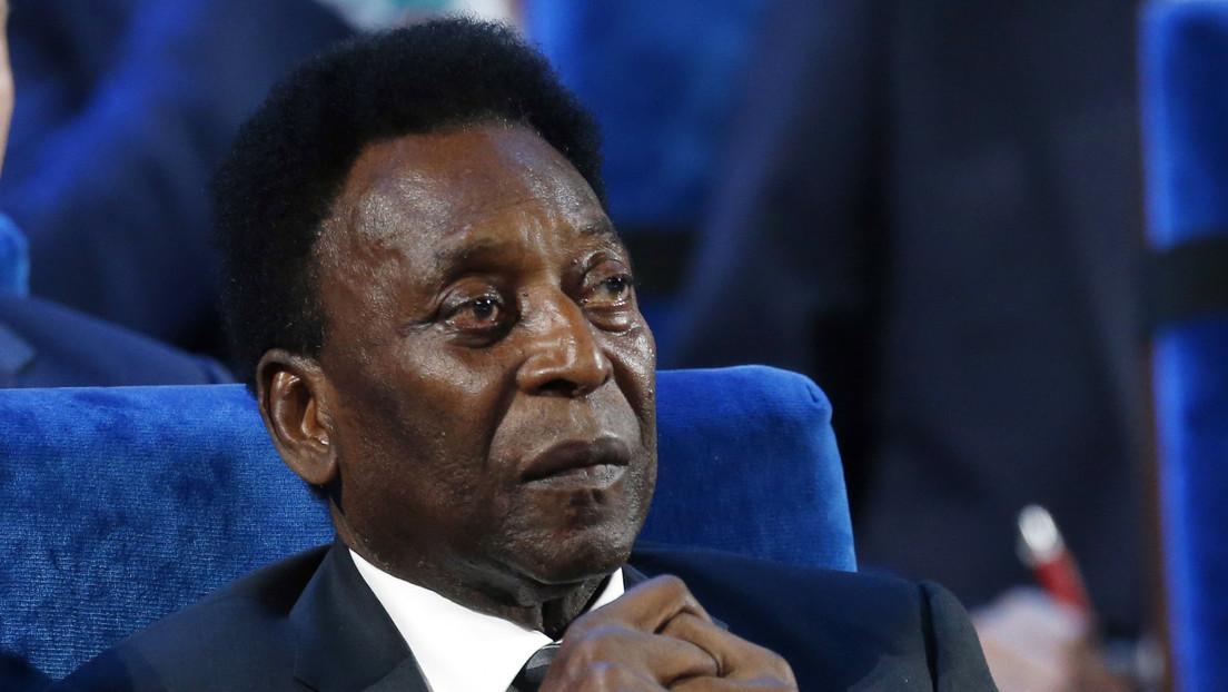 """La hija de Pelé publica una foto con su padre y afirma que """"se recupera bien"""""""