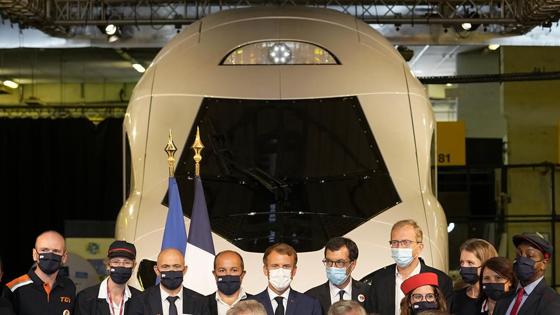 FOTOS: Macron presenta un futurista tren francés de alta velocidad