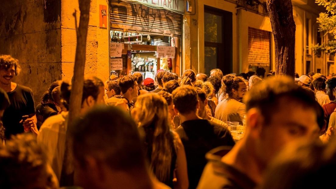 Al menos 25.000 personas se reúnen en una fiesta multitudinaria en Madrid (VIDEO, FOTOS)