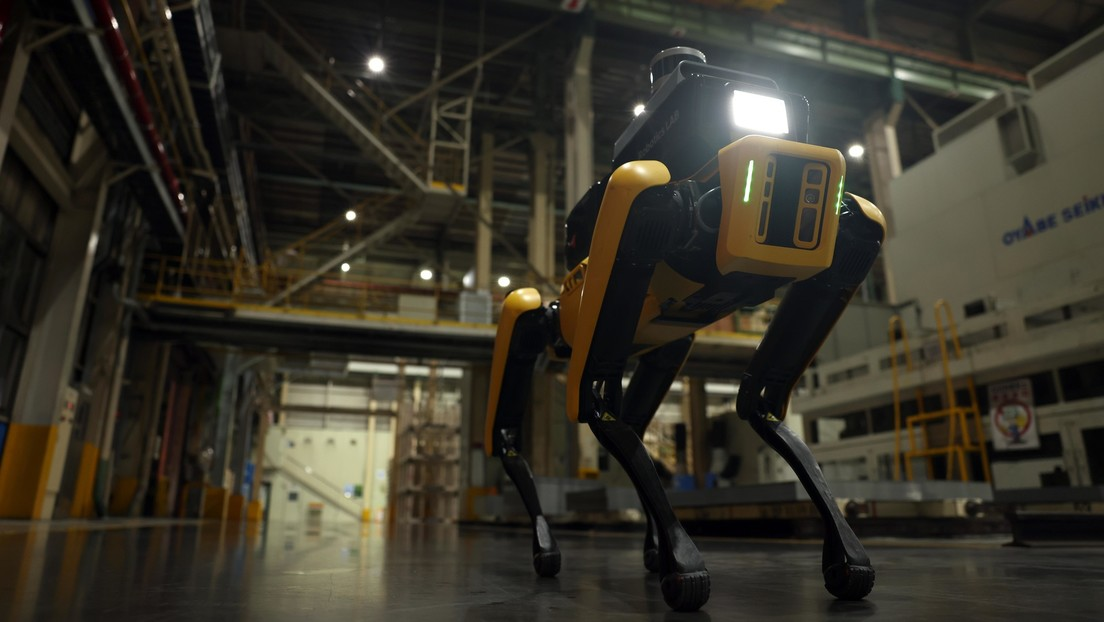 VIDEO: El perro robot Spot tiene un nuevo trabajo como guardián en una fábrica de automóviles surcoreana
