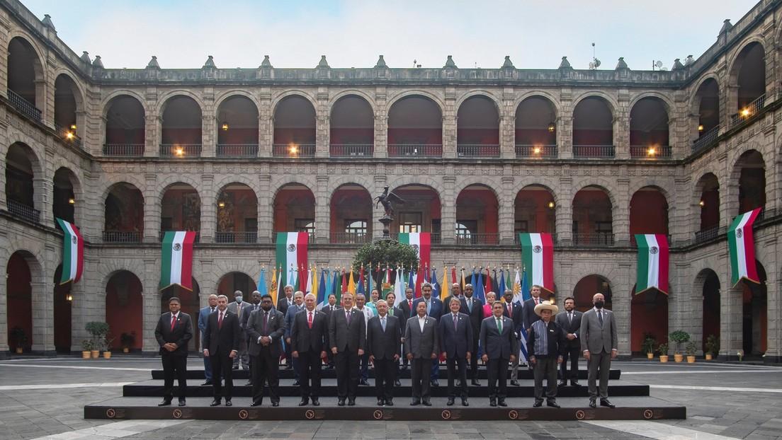 La heterodoxa 'foto de familia' que deja la cumbre de la Celac (y que retrata el nuevo mapa geoestratégico de América Latina)