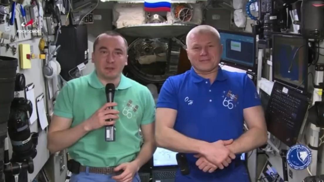 Cosmonautas rusos felicitan a México por su independencia desde la Estación Espacial Internacional