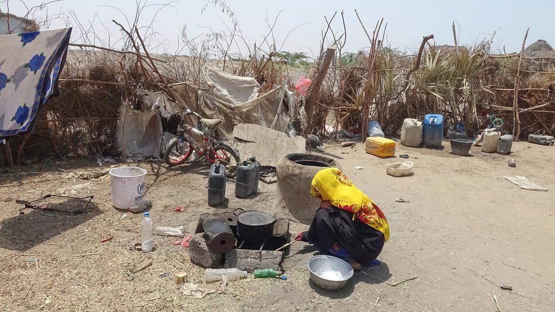 La ONU advierte que 16 millones de yemeníes están al borde del hambre y predice que 400.000 menores podrían morir el próximo año por esa causa